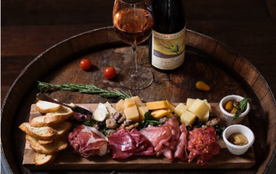 charcuterie and wine pairing gift 1 1